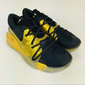 Under Armour Spawn Anatomical Low Gold Black 10.5